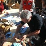 Warsztaty ze sklejania szkuty z papieru na festiwalu z Orleanie